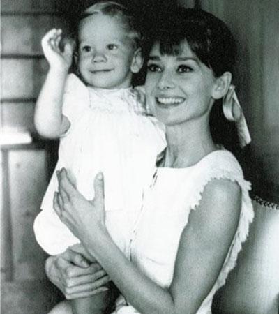 Одри Хепберн с ребенком