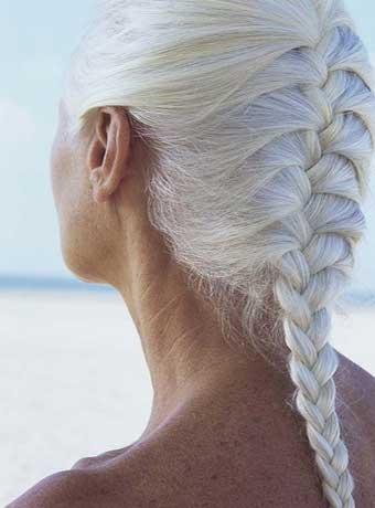 косичка из седых волос