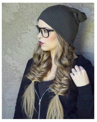 вязаная шапка и косы