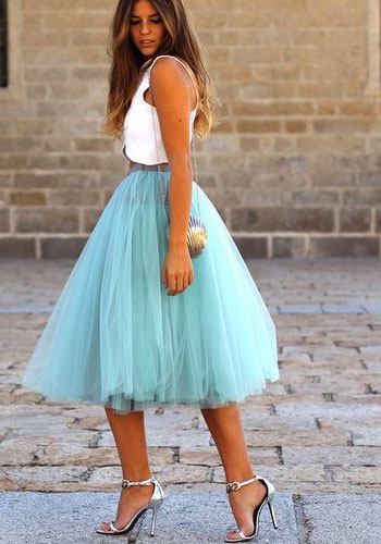 топ и юбка-пачка с босоножками
